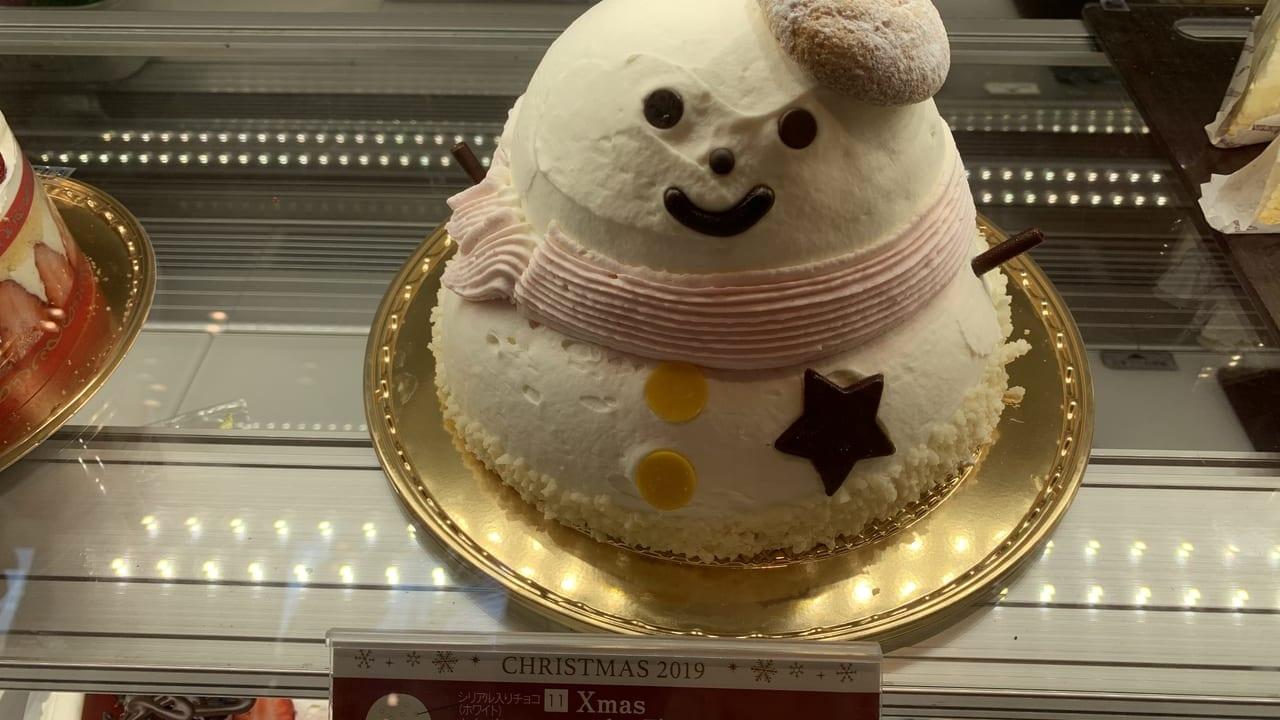 シャトレーゼ雪だるまケーキ